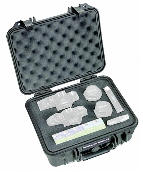 Walizka Peli Protector 1400 srebrna z wkładką piankową